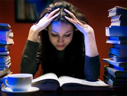 دراسة: الأذكياء يسهرون والأغبياء ينامون